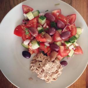 Tun og tomat salat
