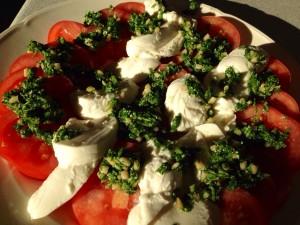 Tomat salat med pesto