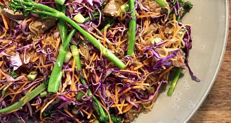 Thai nudelsalat med oksekød